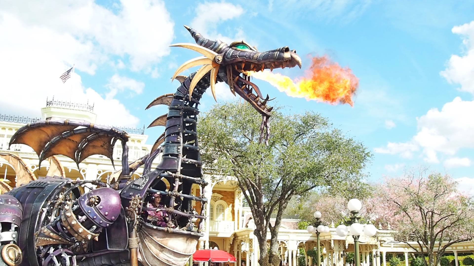 WDW-Festival-of-Fantasy-Parade-Viewing-and-Dining-Package-Review